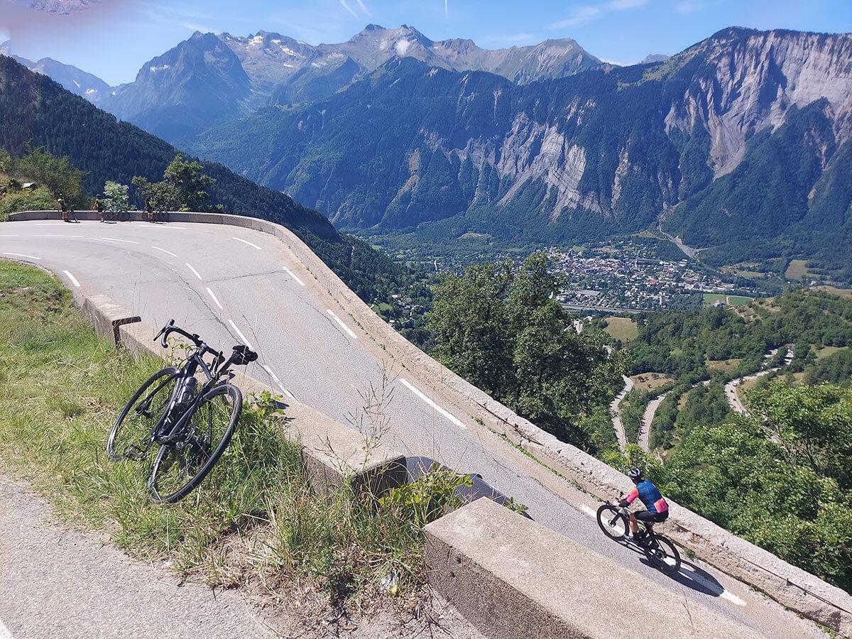 Curva Alpe-d'Huez