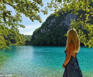 Colores de uno de los lagos del P.N. Plitvice en Croacia