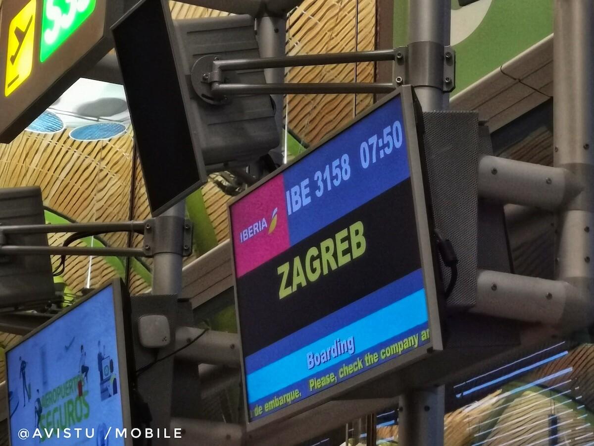 Puerta de embarque del vuelo a Zagreb, Croacia